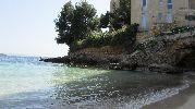bloques de pisos con vistas al mar