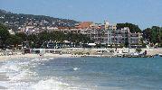 gran hotel a pocos metros de la playa