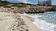 enrome hotel a cientos de metros de la playa