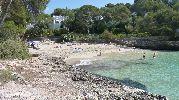 playa al mediodía
