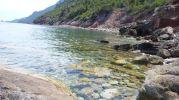 Orilla del mar de zona de baño Sa Pedra llarga