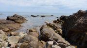 Rocas y aguas cristalinas en sa pedra llarga