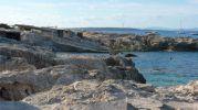 Vista de algunas casetas varadero en Es Pou d'es Verro
