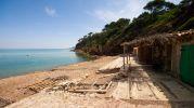 casas de pescasdores en la playa