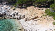 Orilla del mar de Cala Na Llóbriga
