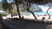playa con mucha sombra
