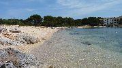 gran playa con agua muy clara