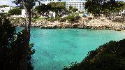 agua de color esmeralda
