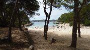 larga playa pero estrecha