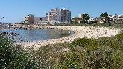 hoteles y apartamentos alrededor de la playa