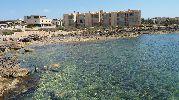 apartamentos y pisos detrás de la playa